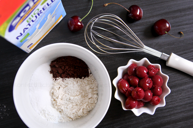 Veganer Schoko-Kirsch-Mikrowellenkuchen